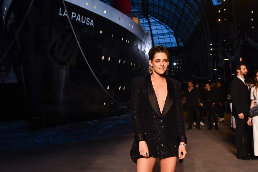Kristen Stewart au défilé Chanel croisière 2018, le 3 mai au Grand Palais