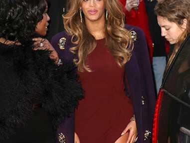 Beyoncé en robe très courte, Charli XCX en transparence pour les Billboard Women