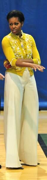 Michelle Obama en cardigan brodé L'Wren Scott et pantalon large : canon