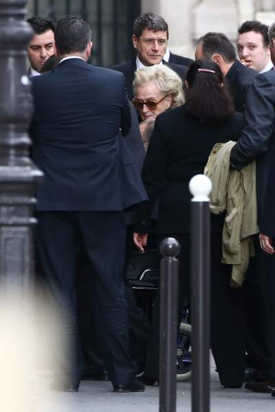 Bernadette et Jacques Chirac entourés de leurs proches aux funérailles de leur fille Laurence