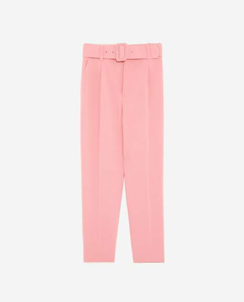 Pantalon rose à ceinture, Zara, 39,95 euros