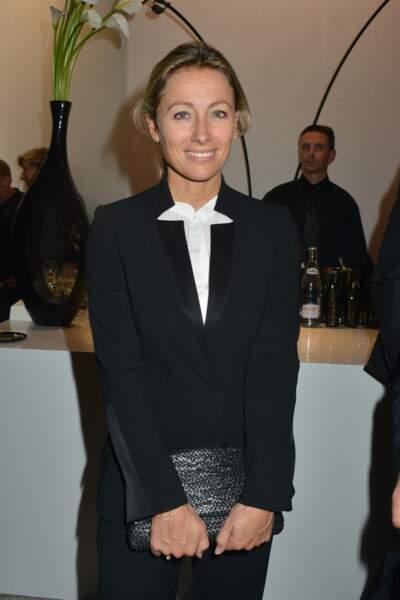 Retour sur l'évolution look d'Anne-Sophie Lapix : 2012, la journaliste est carrément divine