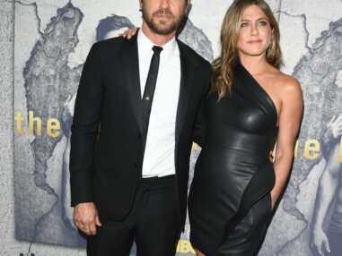 Super sexy dans sa robe en cuir, Jennifer Aniston fait sensation au bras de Justin Theroux
