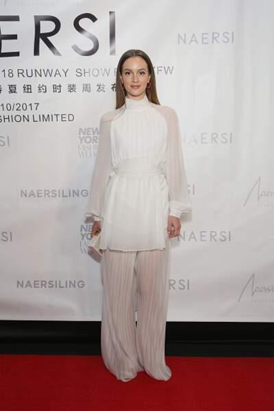 Leighton Meester dans un total look blanc