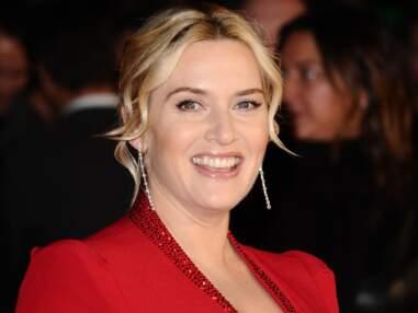 Enceinte, Kate Winslet est magnifique dans une longue robe rouge