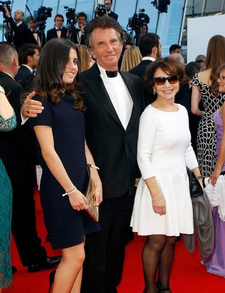 Jack Lang accompagné de sa femme et sa fille