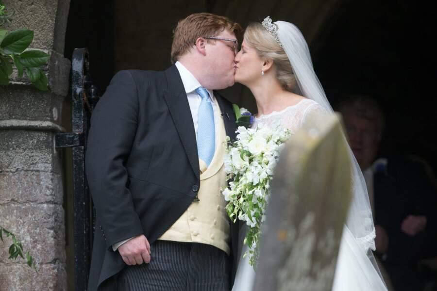 Mariage de Celia McCorquodale et George Woodhouse : le bisou des mariés