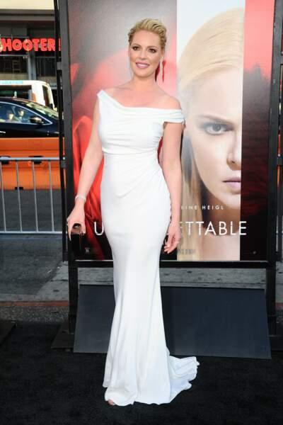 Avant-première d'Unforgettable : Katherine Heigl ravissante dans sa longue robe blanche
