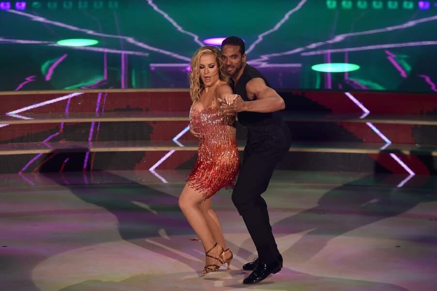 Anastacia danse avec Maykel Fonts dans Ballando con le stelle