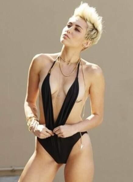 Miley Cyrus (20 ans)