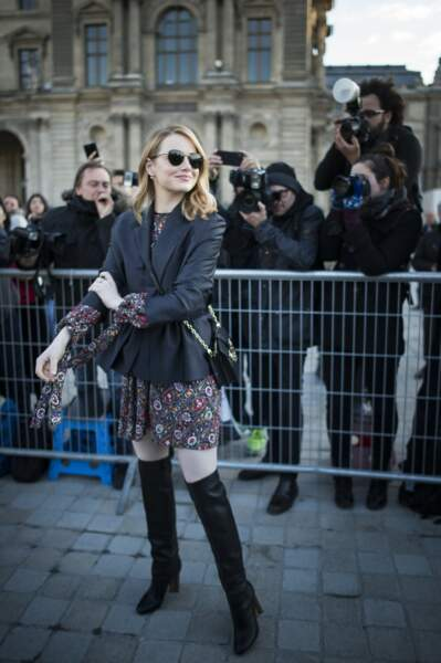 Emma Stone au défilé Louis Vuitton lors de la fashion week de Paris, le 6 mars