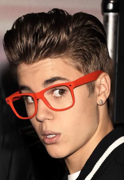 Nouvel emprunt de lunettes à sa mère (et ça ne marche toujours pas).