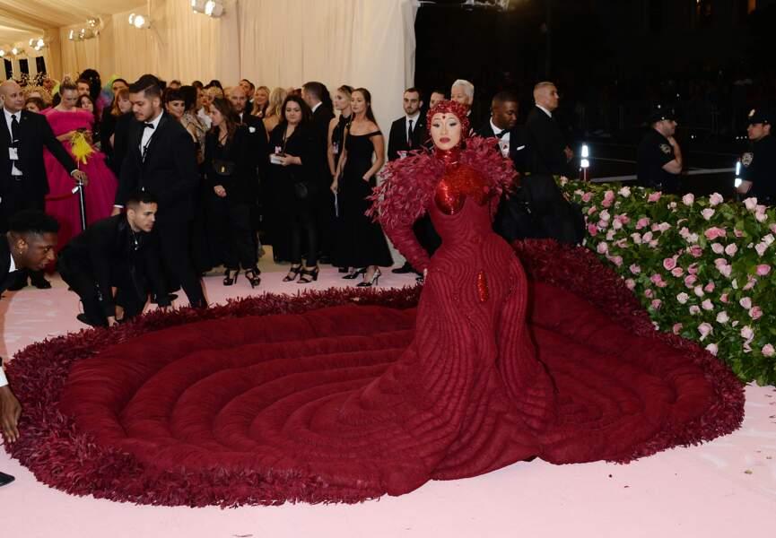 Cardi B sur le tapis rouge lors du Met Gala 2019 à New York