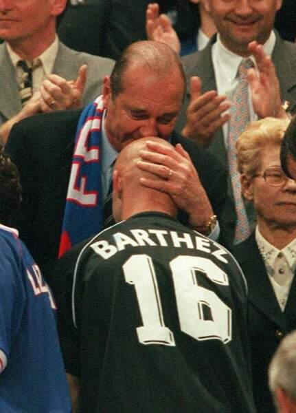 Jacques Chirac et Fabien Barthez en 1998 (27 ans)