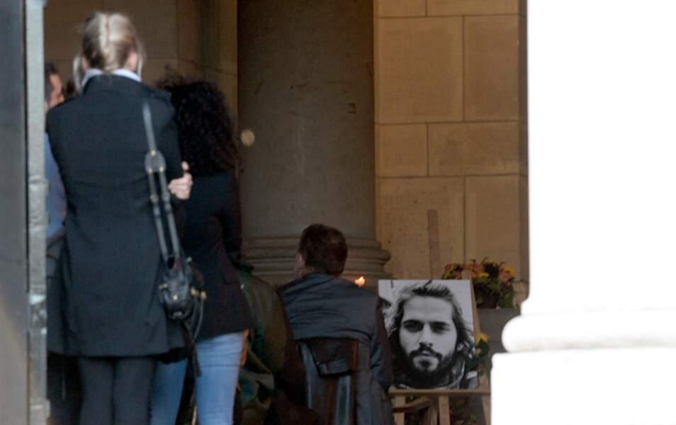 Un portrait de Gaël Lopes avait été installé à l'intérieur de l'église