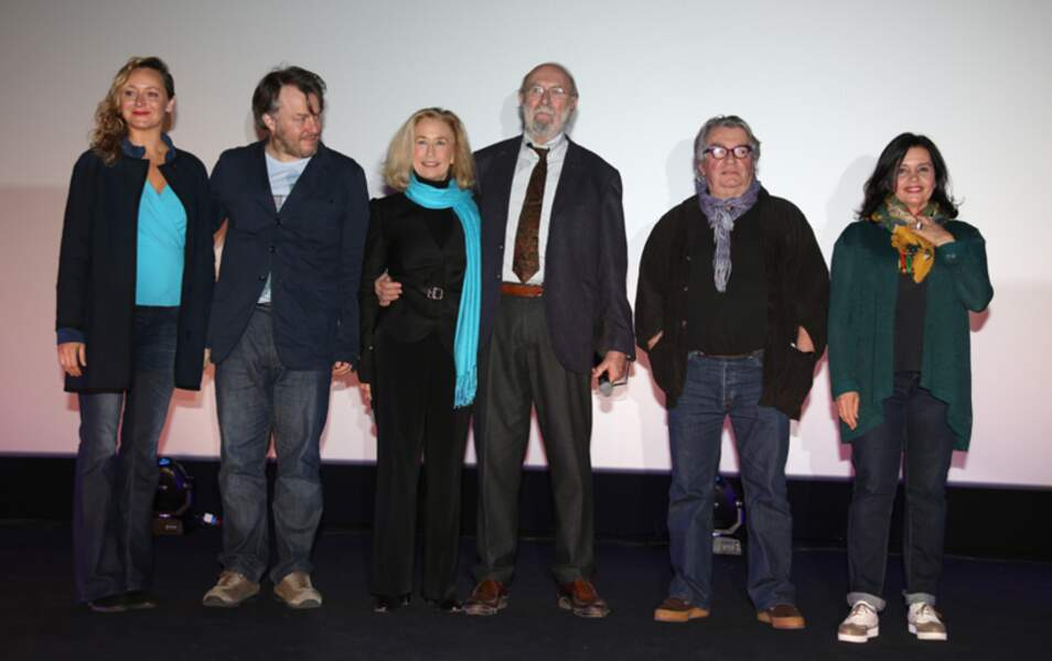 Julie Ferrier, Nick Quinn, Brigitte Fossey, Jean-Pierre Marielle, Joel Seria et Jeanne Goupil