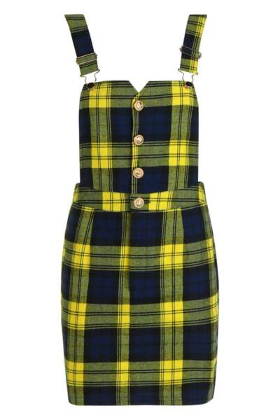 Mini robe chasuble à carreaux, Boohoo, 22€