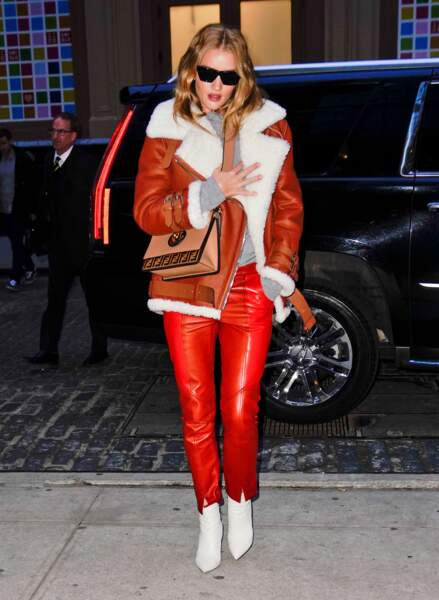 Les do et les don'ts de la semaine : les bottines blanches - Rosie Huntington-Whiteley
