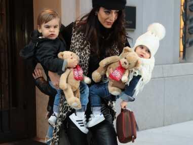 VOICI - George et Amal Clooney : découvrez les visages de leurs jumeaux pour la première fois !