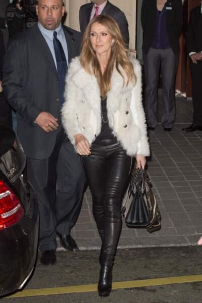 Céline Dion a 50 ans : ces 15 fois où elle était à la pointe de la mode (le pantalon en cuir)