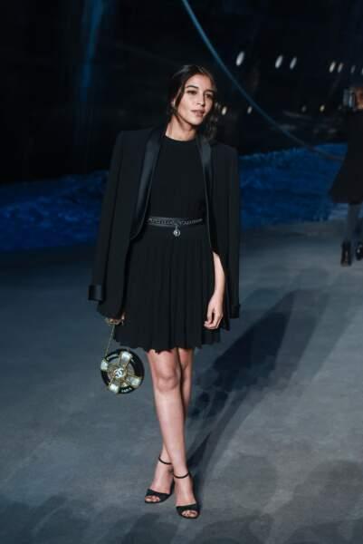 Leïla Bekhti au défilé Chanel croisière 2018, le 3 mai au Grand Palais