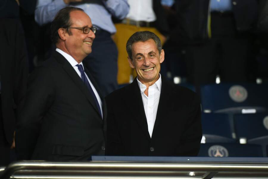 Les people au match PSG vs Bayern de Munich : François Hollande et Nicolas Sarkozy