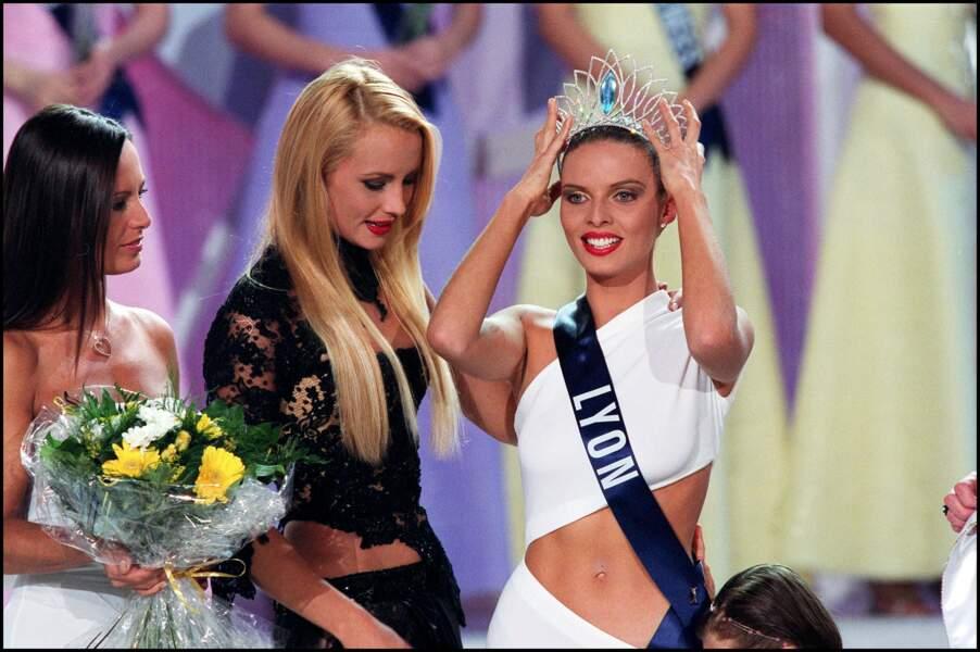 Sylvie Tellier succédait à Miss France 2001, Elodie Gossuin