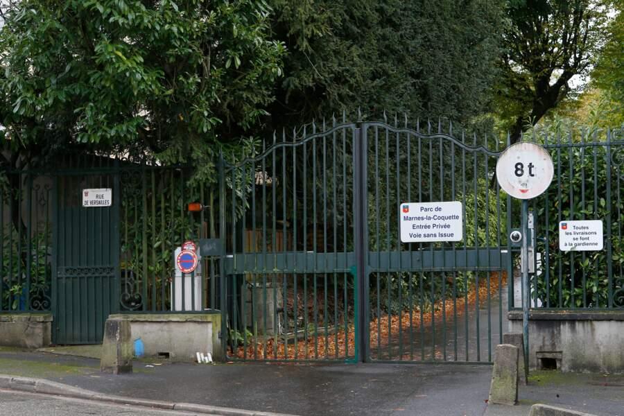 Pour accéder à Marnes-la-Coquette, dans les Hauts-de-Seine, il faut montrer patte blanche