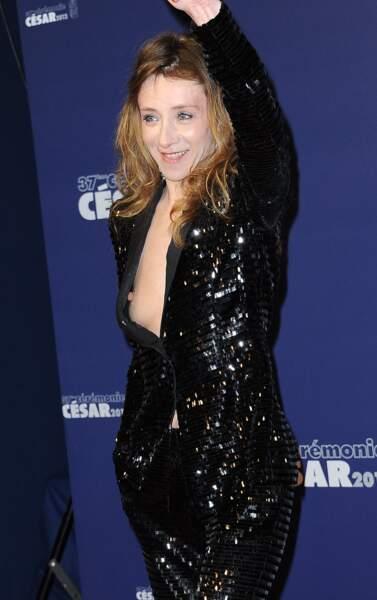 Sylvie Testud, TROP décolletée à la 37e cérémonie des César, en 2012