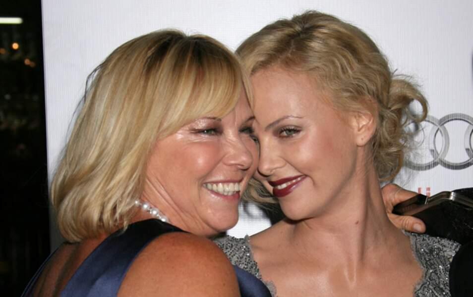 Charlize Theron et sa mère