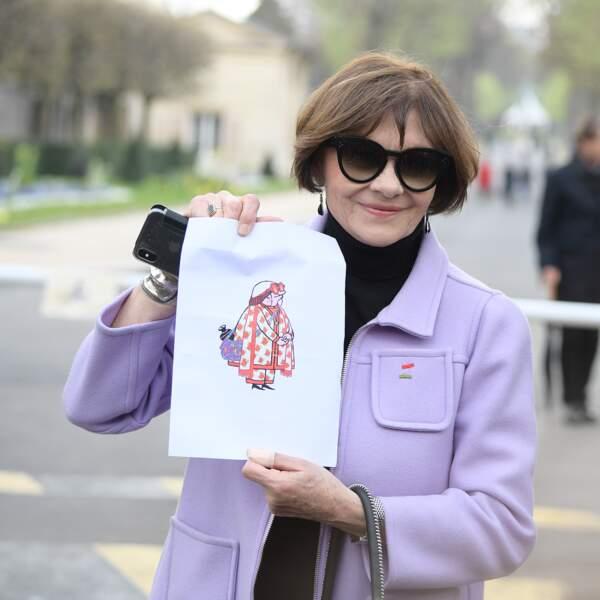 Macha Méril aux obsèques d'Agnès Varda au cimetière du Montparnasse