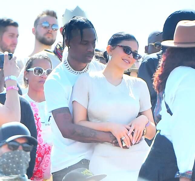Travis Scott et Kylie Jenner ont multiplié les gestes d'affection pendant le show de Kanye West