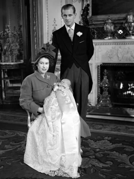 1948 Elizabeth II et le duc d'Édimbourg avec le prince Charles
