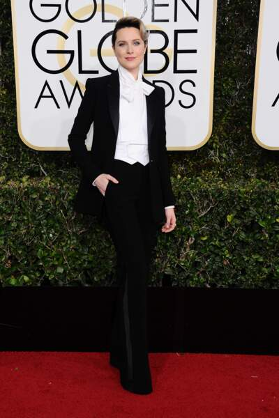 Golden Globes 2017 : Evan Rachel Wood en smoking Altuzarra. Divine !