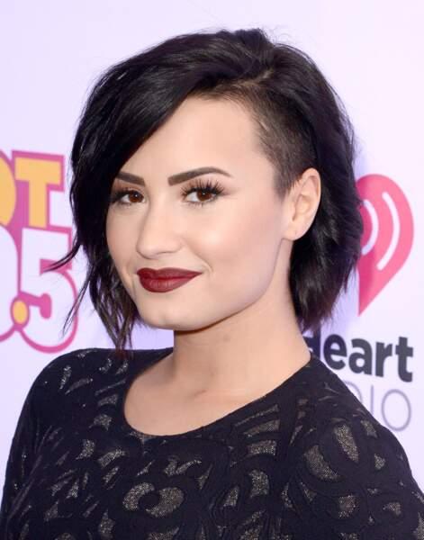 Le carré asymétrique de Demi Lovato