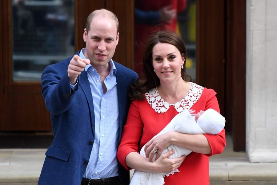 Le prince William très concentré quand il s'agit de poser avec sa petite famille.