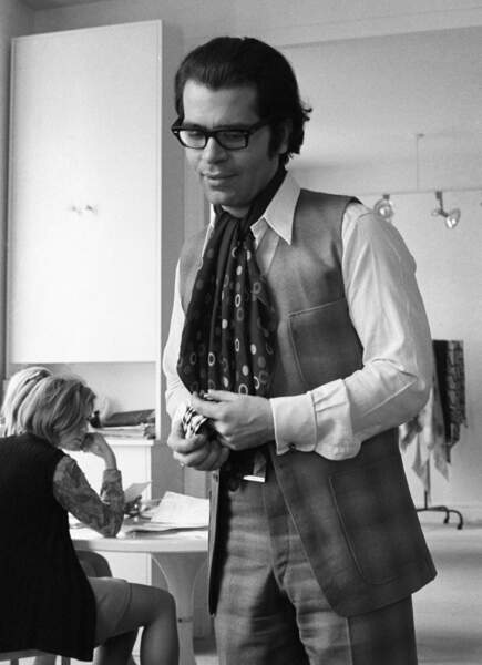 L'évolution physique de Karl Lagerfeld : le créateur en 1969