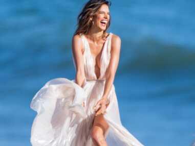 Alessandra Ambrosio dévoile ses fesses en plein shooting sexy