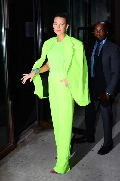 Blake Lively dans un ensemble vert néon