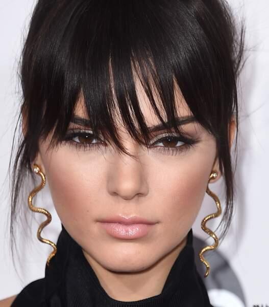 Visage ovale : essayez une range longue et clairsemée à l'image de Kendall Jenner