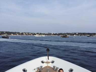 Kendall Jenner et Kourtney Kardashian sur un yacht à Cannes