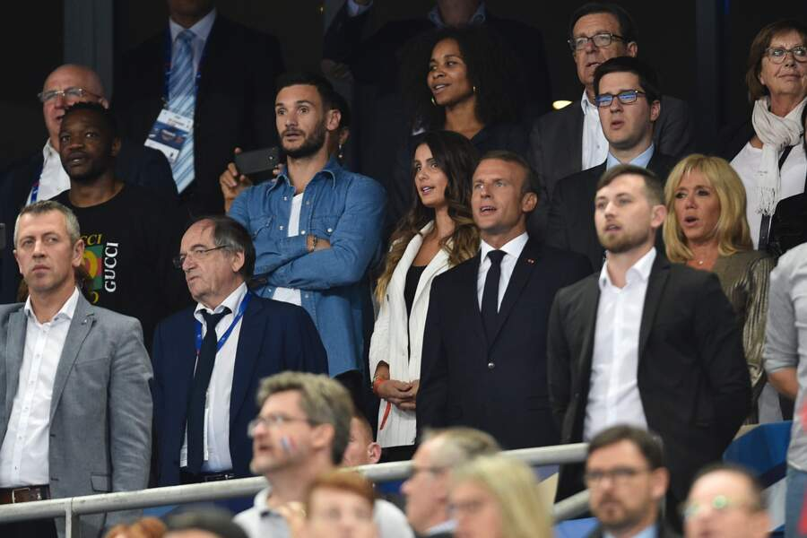 Emmanuel et Brigitte Macron dans les tribunes de France/Pays-Bas, le 9 septembre