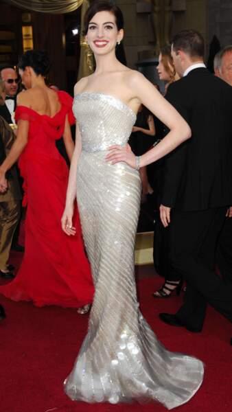 Cette fois-ci, Anne Hathaway aurait pu donner une leçon de style à Meryl Streep