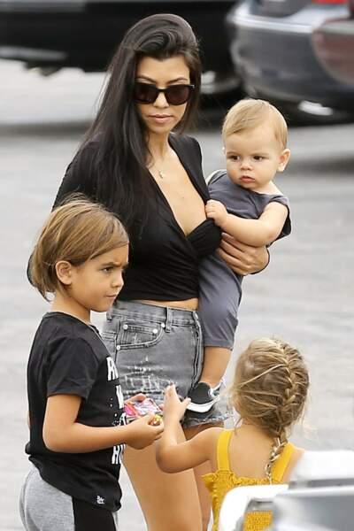 Kourtney Kardashian et ses enfants sont arrivés