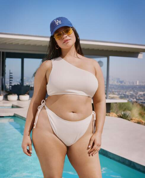 Nasty Gal lance une collection de maillots de bain plus size
