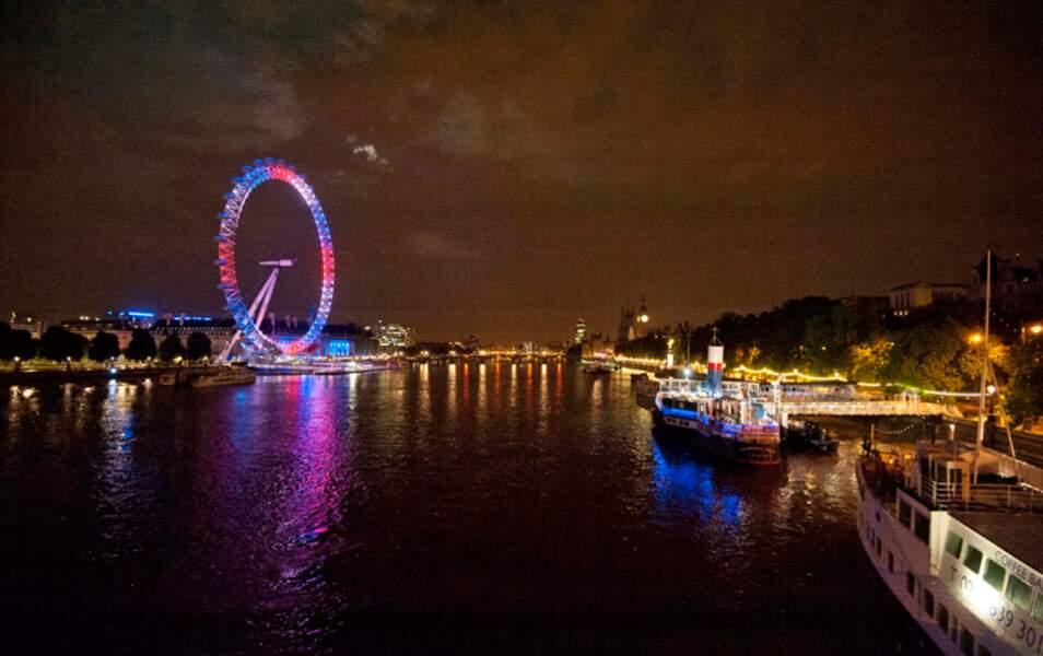 Le London Eye s'est d'ailleurs déjà paré des couleurs de l'Union Jack pour l'occasion !