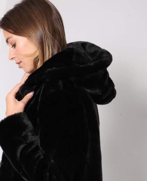 Veste en fausse fourrure avec capuche, Pimkie, 59,99€