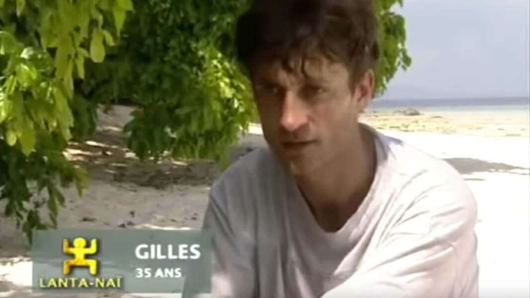 Gilles, de la saison 1, est administrateur de spectacles et auteur
