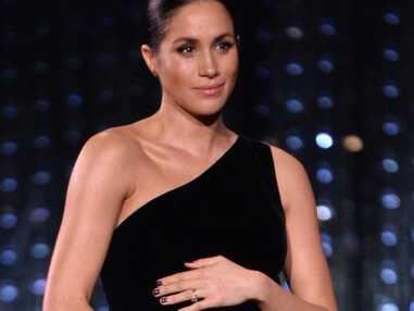 Meghan Markle dévoile son ventre arrondi aux British Fashion Awards