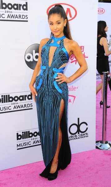Billboard Music Awards 2016: Ariana Grande en Atelier Versace